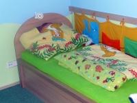 postel masiv buk