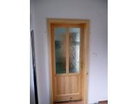 dveře z masívu borovice